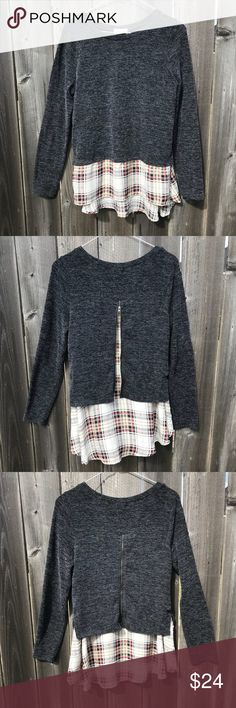 Altar'd State Long Sleeved Top Great condition, never worn! Plaid details and zips up/down in the back. Perfect for fall and winter! Altar'd State Tops Tees - Long Sleeve