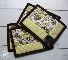 Quilted Coffee Mug Rug/Set of 4 Patchwork Coffee placemats Handmade Quilted table mats handmade coas eindecken ? Quilted Coffee Mug Rug/Set of 4 Patchwork Coffee placemats Handmade Quilted table mats handmade coas eindecken ? White Placemats, Modern Placemats, Table Runner And Placemats, Quilted Table Runners, Quilted Placemat Patterns, Mug Rug Patterns, Quilt Patterns, Quilted Coasters, Canvas Patterns