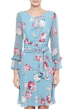 Vestido Crepe Floral Audrey Simple Dresses, Pretty Dresses, Casual Dresses, Short Dresses, Dresses With Sleeves, Floral Maxi Dress, Chiffon Dress, Dress Skirt, Classy Outfits
