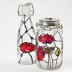 Glass Bottle and Lantern decorated in the Tiffany Style - Creative ideas Tiffany, Altered Bottles, Creative Activities, Colored Glass, Glass Bottles, Handicraft, Cool Art, Fun Art, Lanterns