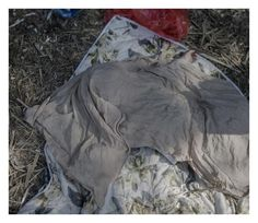 シリア難民の子供たちは、今こんな場所で寝ている(画像)