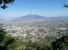 Vesuvio, Campania. Vista dal sentiero 346 CAI