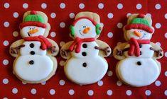 Φανταστικά εύκολα πεντανοστιμα μπισκοτάκια με τρία υλικά!!! Τα έχετε αγαπήσει τα ξέρετε,δείτε και τη Χριστουγεννιάτικη εκδοχή τους!    ΥΛΙΚΑ    1 κουτί (397 γραμμ.) ζαχαρούχο γάλα    400 γραμμ. βούτυρο ανάλατο, σε θερμοκρασία δωματίου    500 γραμμ. αλεύρι που φουσκώνει μόνο του    (Προαιρετικά ή