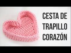 YouTube Crochet Home, Love Crochet, Crochet Crafts, Crochet Yarn, Crochet Projects, Ideas Aniversario, Knitted Heart, Fillet Crochet, Knit Basket