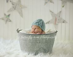 Love the backdrop! {Baby} {Newborn Photography Tips} {Props} {Photo Session Ideas}