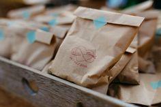 Paper Shopping Bag, Food, Decor, White Rose Flower, Decoration, Decorating, Dekoration, Meals, Yemek