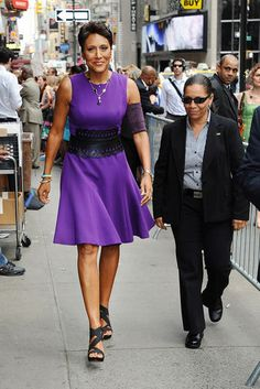 Robin Roberts! GMA Anchor We All Adore FYI: Robin is extremely tall!! She towers…