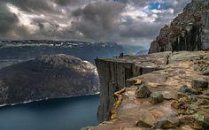 Télécharger fonds d'écran En norvège, les montagnes, fjord, les rochers, les touristes