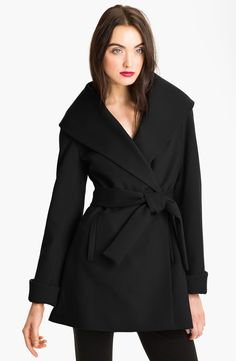Trina Turk Belted Wrap Coat in Black Abrigos 1dc68e5dbc94