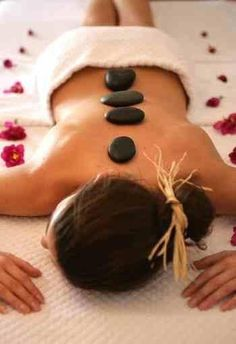 I need to get a hot stone massage someday i bet it feels awesome. Massage Room, Massage Therapy, Facial Massage, Neck Massage, Foot Massage, Stone Massage, Massage Techniques, Holistic Wellness, Relaxing Day