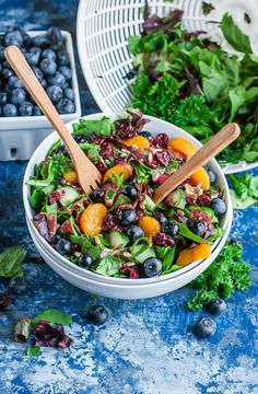 Cranberry Blueberry Salad with Blueberry Balsamic Dressing Blueberry Salad, Blueberry Recipes, Raspberry Salad, Healthy Salad Recipes, Healthy Snacks, Healthy Picnic, Healthy Eats, Easy Recipes, Vegan Recipes