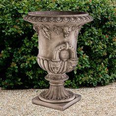Urne 'Kleine Regency': Antik-patinierter Steinguss aus England. Das Gussmaterial ist eine Mischung a... - gefunden auf www.country-garden.de
