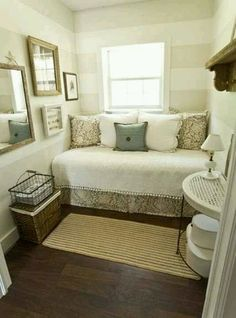 Cute for a small room.