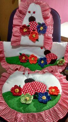 Pot Holders, Crafts, Craftsman Bathroom, Sewing Aprons, Bathroom Mat, Calla Lilies, Honey, Farmhouse Rugs, Toddler Girl Dresses