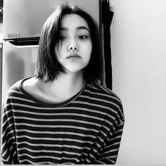 Ulzzang Girl, Chara, Korean, Kpop, T Shirts For Women, Bb, Random, Fashion, Moda