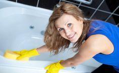 Результат превзойдет все ваши самые смелые ожидания! Вы увидите девственно чистую ванну — и это не будет стоить вам никаких усилий. Попробуйте сделать чистку ванны по этому рецепту и убедитесь, что он работает. Как очистить ванну 1. Смешайте 2 ст. л. кальцинированной и 2 ст. л. питьевой соды в однородную массу и натрите влажную ванну этой смесью. 2. Через 5-10 …