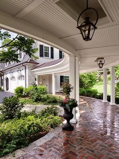 White colonial brick driveway
