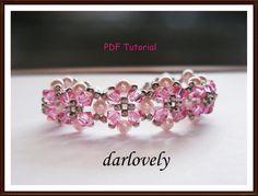He encontrado este interesante anuncio de Etsy en https://www.etsy.com/es/listing/77517249/swarovski-rose-pearl-flower-bracelet