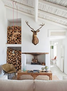 There are numerous ways to make your home interior design look more interesting, one of them is using cabin style design. With this inspiring gallery you can make fantastic cabin style in your home. Scandinavian Interior Design, Home Interior Design, Interior Decorating, Scandinavian Cabin, Decorating Tips, Contemporary Interior, Decorating Websites, Interior Ideas, Chalet Modern