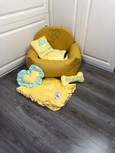 Dog car seat in canary eco leather Luxury yellow driving kit Designer dog car seat Luxury dog bed for traveling Custom car seat Custom Car Seats, Dog Car Seats, Custom Cars, Bed Measurements, Personalized Dog Beds, Designer Dog Beds, Small Pillows, Cozy Bed, Pet Names