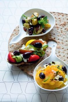 Colorful salad with fruits and vegetables  | More photos http://petitlien.fr/mincirdeplaisir