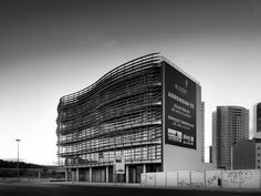 © invisiblegentleman.com   bloom building   FSimões Arquitectos Associados, GJP Arquitectos
