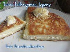 Túrós-fokhagymás lepény (Gluténmentesen is) recept foto Vegetarian Recipes, Healthy Recipes, Healthy Food, Camembert Cheese, Recipies, Dairy, Gluten Free, Vegan, Breakfast