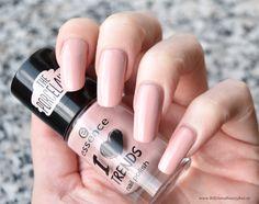 essence - I ♥ trends The Porcelains nailpolish - so in love - nagellack rosé / rose / pink