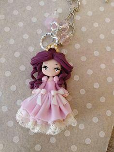 Ehi, ho trovato questa fantastica inserzione di Etsy su https://www.etsy.com/it/listing/556463822/princess-doll-necklace