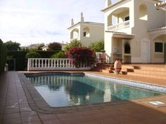 Villa Colaço Lagos Villa Colaço is a holiday home with a patio, located in Lagos in the Algarve Region. The holiday home is 1.5 km from Meia Praia Beach Lagos.  The kitchen comes with a dishwasher and an oven. A TV is offered.