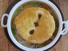 Personal Potpies - love this idea! #dinner http://www.ivillage.com/dinner-party-recipes-budget/3-b-343620#468440