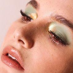 11 Makeup Tips All Older Women Should Know. Makeup Inspo, Makeup Inspiration, Makeup Tips, Beauty Makeup, Face Makeup, Beautiful Eye Makeup, Gorgeous Eyes, Eyeshadow Looks, Eyeshadow Makeup