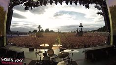 Energetic London Crowd Waiting to See Green Day Sings a Rousing Version of 'Bohemian Rhapsody'