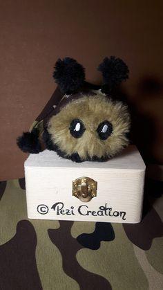 cute Mimi Plushie Military Camo Mascot von PeziCreation auf Etsy #plushie #mimiplushie #plüschtier #etsy #handmade #handmadeplushies #stofftier #cute #cutemonster #monsterplushie #fantasycreature #pezicreation #fluffyball #wuschelball #fantasywesen #stuffedanimal #maskottchen #mascot #bundesheer #army #camo armymascot #bundesheermaskottchen Stuffed Animals, Fantasy Wesen, Your Favorite, Favorite Color, Camo, Cute Creatures, Plushies, Hand Sewing, Great Gifts