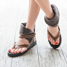 Retro Womens Flip Flop High Top Buckle Beach Casual Roma Sandals Shoes Slip On