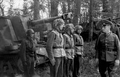 Generalfeldmarschall Erwin Rommel inspecting a unit from  21. Pz.Divisionen. France  May 1944