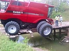 CASE IH 7088 to heavy for the bridge John Deere Equipment, Heavy Equipment, Lifted Trucks, Big Trucks, Farm Humor, Truck Pulls, Redneck Humor, Farm Boys, Antique Tractors