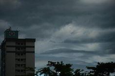 Nuvens que anunciam tempestades de verão:
