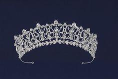 quinceanera crowns | Tiaras : Bella Ilusion, Bridal, Prom and Quinceanera Dresses