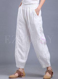 Best 12 Shop Oversize Linen Lantern Pant at EZPOPSY. Fashion Pants, Boho Fashion, Fashion Outfits, Salwar Designs, Blouse Designs, Linen Pants Outfit, Salwar Pants, Pantalon Large, Pants For Women