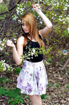 Spódniczka z kontrafałdami kwiaty retro vintage fiolet SHOCK share&block