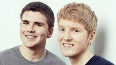 จอห์น (ซ้าย) กับแพทริค พี่ชาย กลายเป็นเศรษฐีพันล้านก่อนจะเข้าเรียนมหาวิทยาลัย