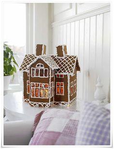 justbesplendid:    socutethings:    konfetti:    My Shabby chic house      gingerbread house…