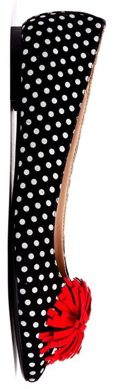 How to wear patterned shoes - http://www.boomerinas.com/2014/07/03/how-to-wear-printed-shoes-8-styles-of-patterned-footwear/