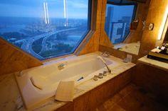 Bath with a View, Singapore, Ritz Carlton