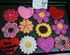 Ordencita enviada por correo el martes!  Ya la orden llegó y con excelentes comentarios! 👍👌😇😉😀🍪🌸🌻🌼❤ #mycookiecreations #flowerscookies #heartscookies #felizcumpleaños #cookieart #cookies