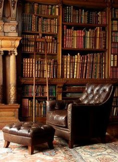 To finish your club lounge look, why not add some antique books to your shelves? #home #decor #trend #LeatherChair