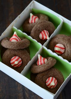 Chocolate Peppermint Blossoms, Candy Cane Kisses, Hershey's Kisses, Peppermint Kisses, cookies- make inch and bake for 10 minutes Dark Chocolate Cookies, Chocolate Cookie Recipes, Cookie Desserts, Just Desserts, Delicious Desserts, Chocolate Chocolate, Chocolate Party, Holiday Cookies, Holiday Treats