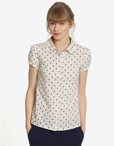 Joules CARLA Womens Short Sleeve Shirt, Crespot. As cute as the eight buttons that adorn it, this shirt will have you skipping out of your front door all the way to wherever you are going.