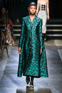 Erdem Spring 2018 Ready-to-Wear  Fashion Show - Alyssa Traore